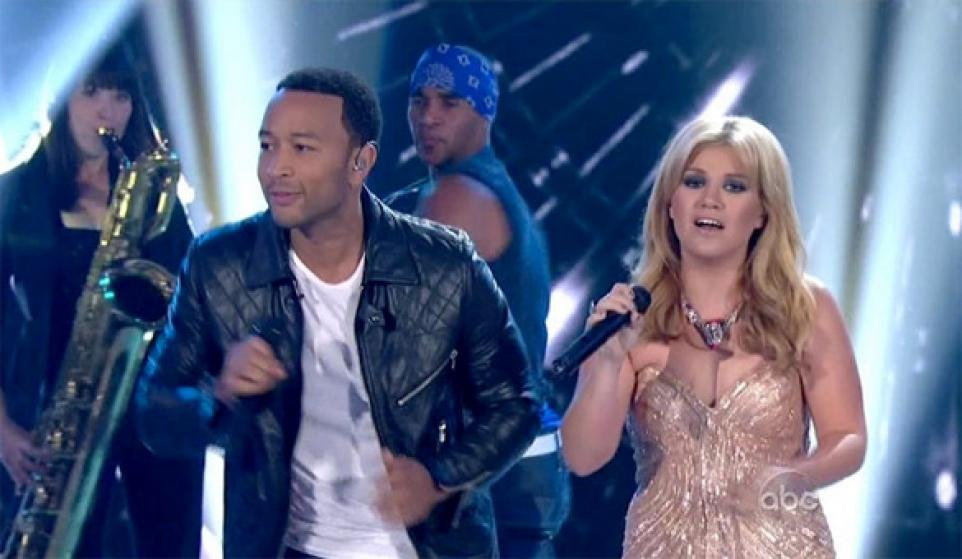 "Kelly Clarkson ft. John Legend ""Run Run Run"""