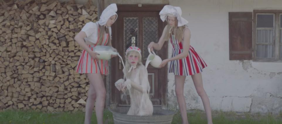 Petite Meller - Milk Bath