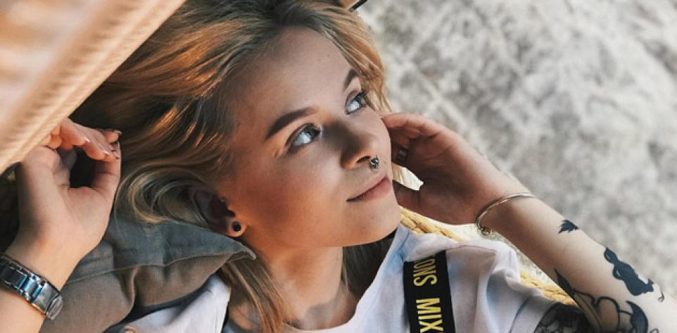 Top Indie Songs - Week 18 2020 | Photo by Alexander Nikitenko on Unsplash